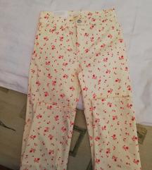 H&M pantalone sa cvetovima ❤️ SADA 2000