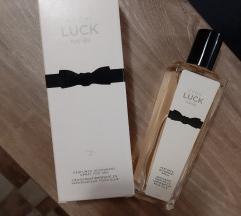 Avon Luck parfem