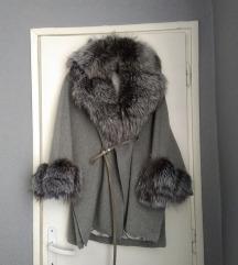 Nov kaput sa prirodnim krznom