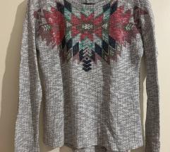 Džemper sa aplikacijom