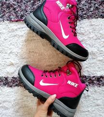 Nove postavljene Nike za kisu i sneg 36-40