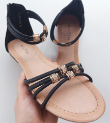 Sandale *NOVO*