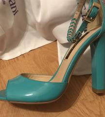 Nove lakovane sandale