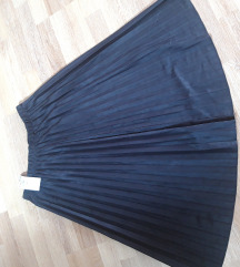 Plisirana suknja 42