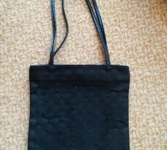 Prelepa crna torba