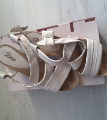Paar kozne sandale br.39