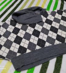Prelep karirani kratak džemper