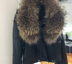 Nova kozna jakna sa ogromnim krznom rakuna. Sniz
