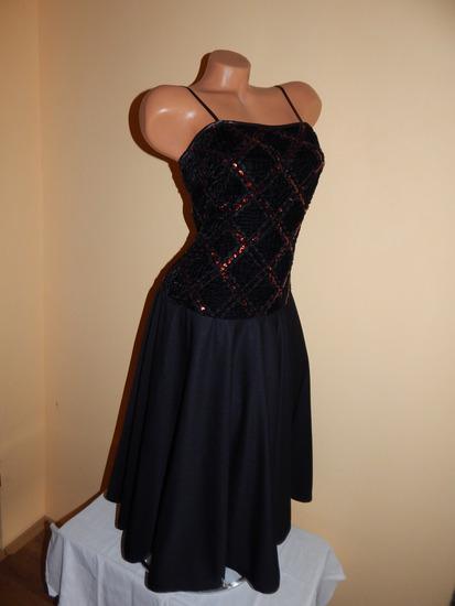 Crna haljina sjajna