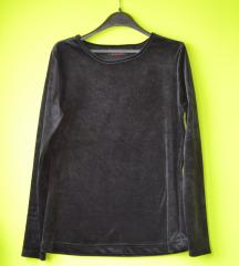 Crna plisana majica