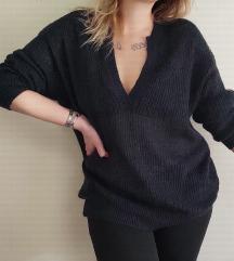 RezzPINKO oversized džemper kao NOVO