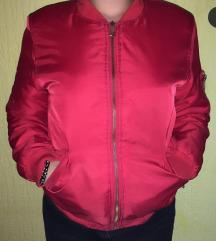 Crvena jakna bomberka