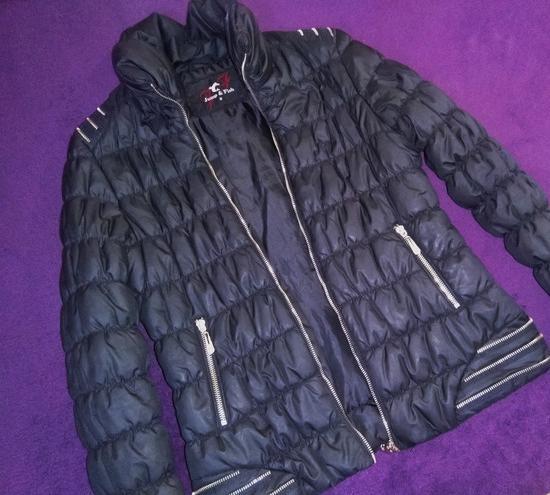 Crna jakna, S