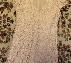 Roze cipkana haljina