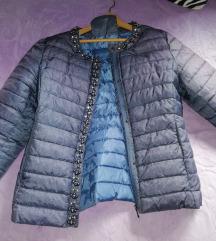 Prelepa jaknica biseri