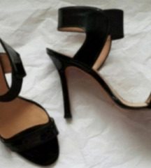 Kozne crne sandale Pepe Manolo