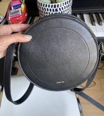 POVOLJNO Crna torbica PARFOIS