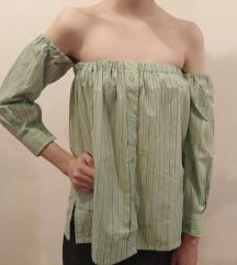 Off shoulder zelena majica - bluza