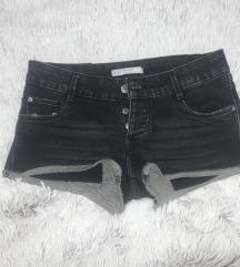 Zara crni teksas sorts + poklon majica