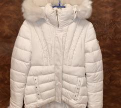 Guess bela jakna