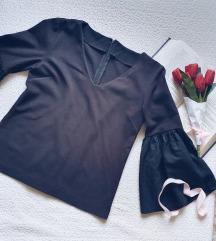 Crna bluza sa sirokim rukavima