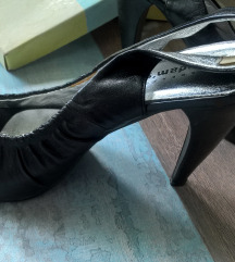Adams shoes, 38