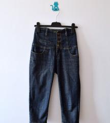 Pantalone sa visokim pojasom