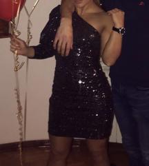 haljina na jedno rame sa puf rukavom sljokice