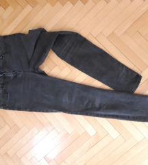 Crne sive odlicne skinny farmerke M/L