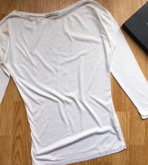 Calliope bela bluza uz telo