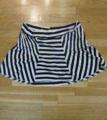 611. Mini suknja, crno bele pruge