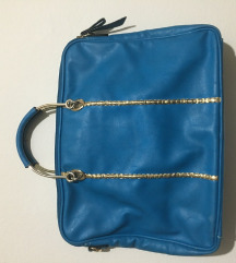 Prostrana plava torba nova