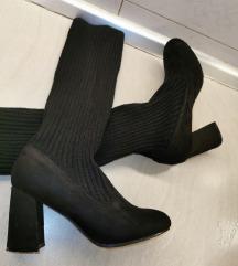 Crtne čizme nove čarapa