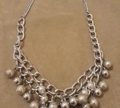 Srebrna ogrlica sa karikama