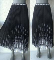 crna plisirana suknja S ili M LIAN LONG XINDA