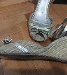Zara sandale- zlatne