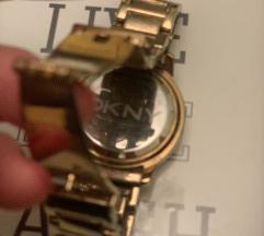 Dkny sat u boji zlata