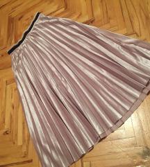 Reserved svetlo roze suknja