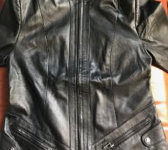 Crna kožna ženska jakna