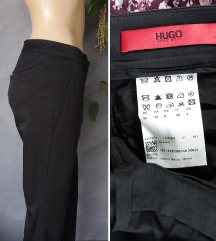 Hugo Boss poslovne crne pantalone