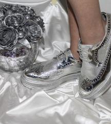 Srebrne cipele sa platformom