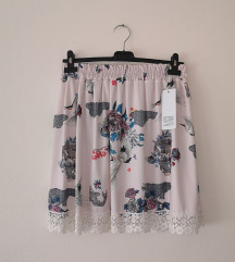 SNIĐENO!ITALY suknjasa čipkom NOVO