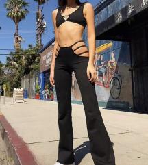 Pantalone sa otvorenim kukovima(PROCITATI OPIS)