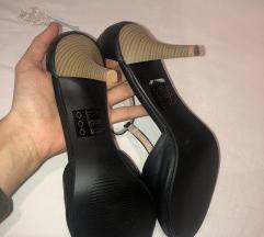 Sandale na stiklu 39