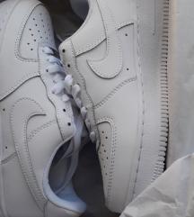 Nike- air force 37