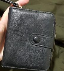 Manji crni kozni novcanik