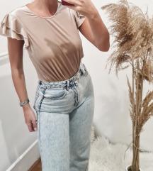 Only plisirana majica