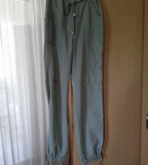 Ležerne letnje pantalone