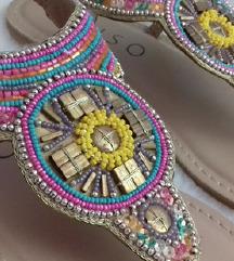 Nove Sarene Sandale
