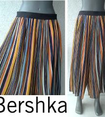 suknja pantalone na pruge broj M BERSHKA